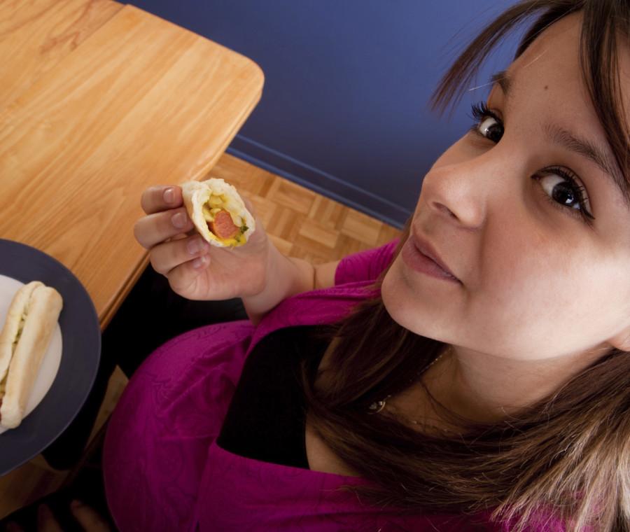 cibi-grassi-in-gravidanza-aumenta-il-rischio-di-obesita-per-il-bambino