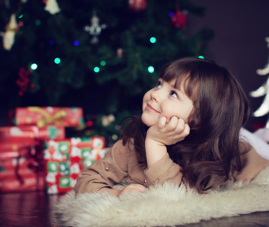 e-giusto-soddisfare-tutti-i-desideri-dei-bambini-a-natale