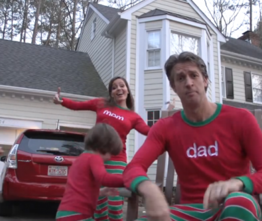 il-video-di-auguri-di-famiglia-dventa-virale