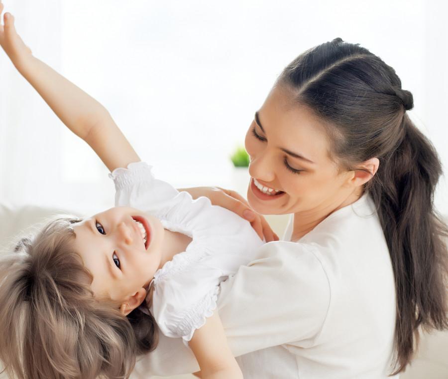 pro-e-contro-di-diventare-mamma-giovanissima