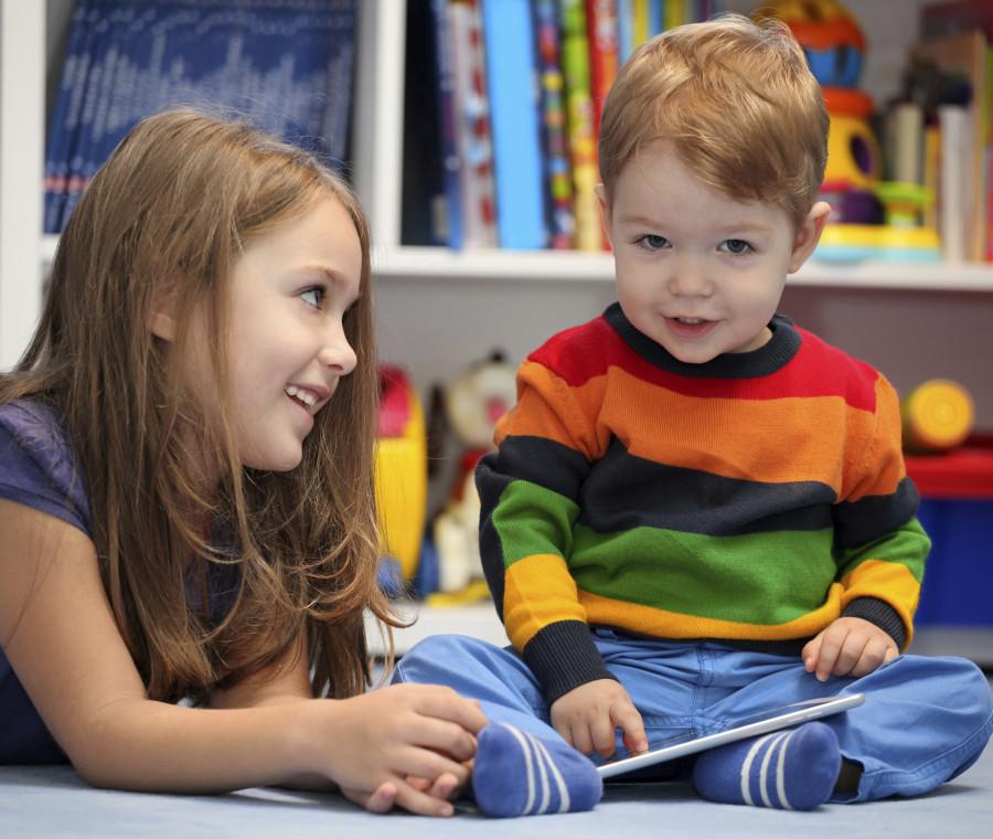 i-bambini-di-oggi-amicizia-e-tecnologia