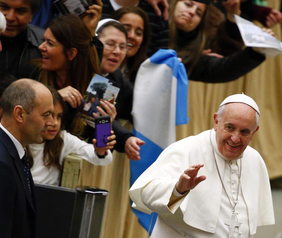papa-francesco-e-giusto-sculacciare-i-figli-ma-con-dignita