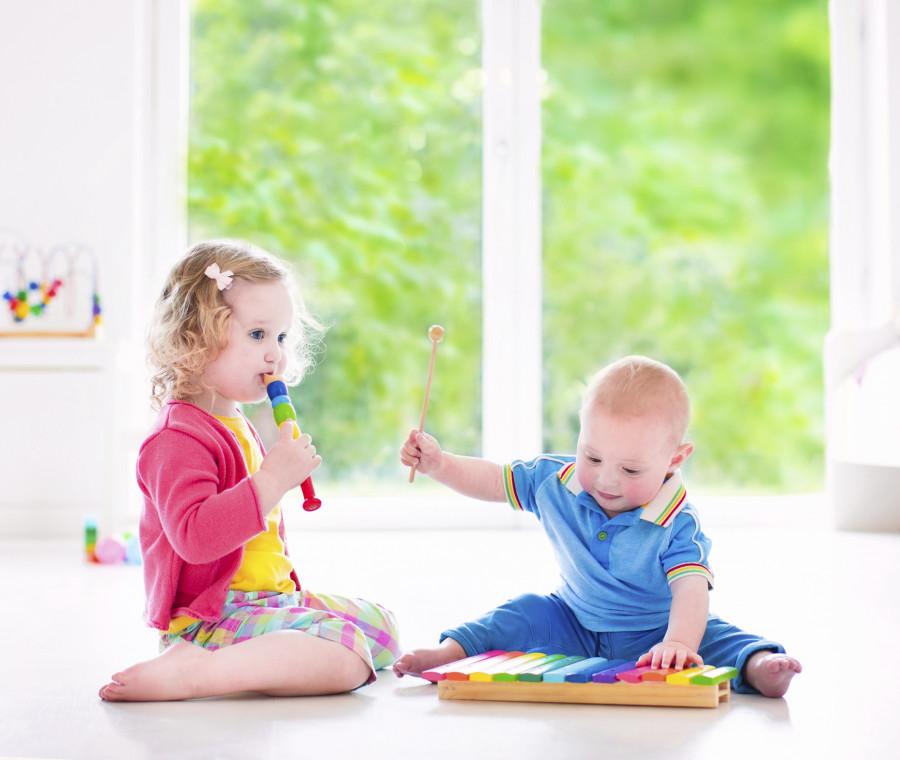 strumenti-musicali-fai-da-te-per-bambini-da-0-a-12-mesi