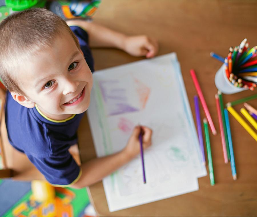 idee-creative-per-riutilizzare-i-disegni-dei-bambini