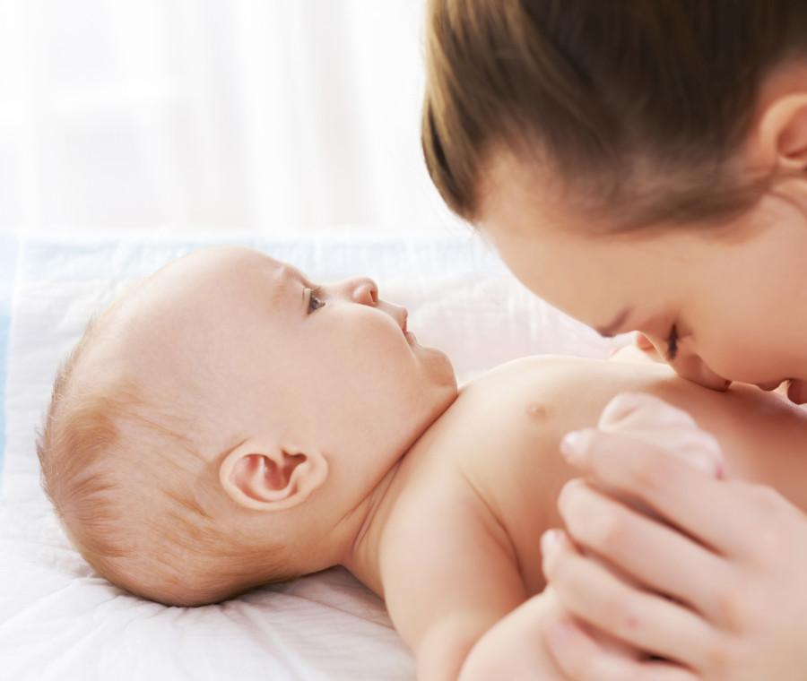 il-primo-mese-con-il-bebe-i-consigli-della-sin