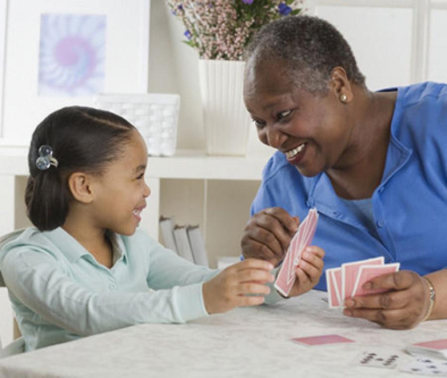bambini-e-anziani-convivono-in-una-struttura-speciale