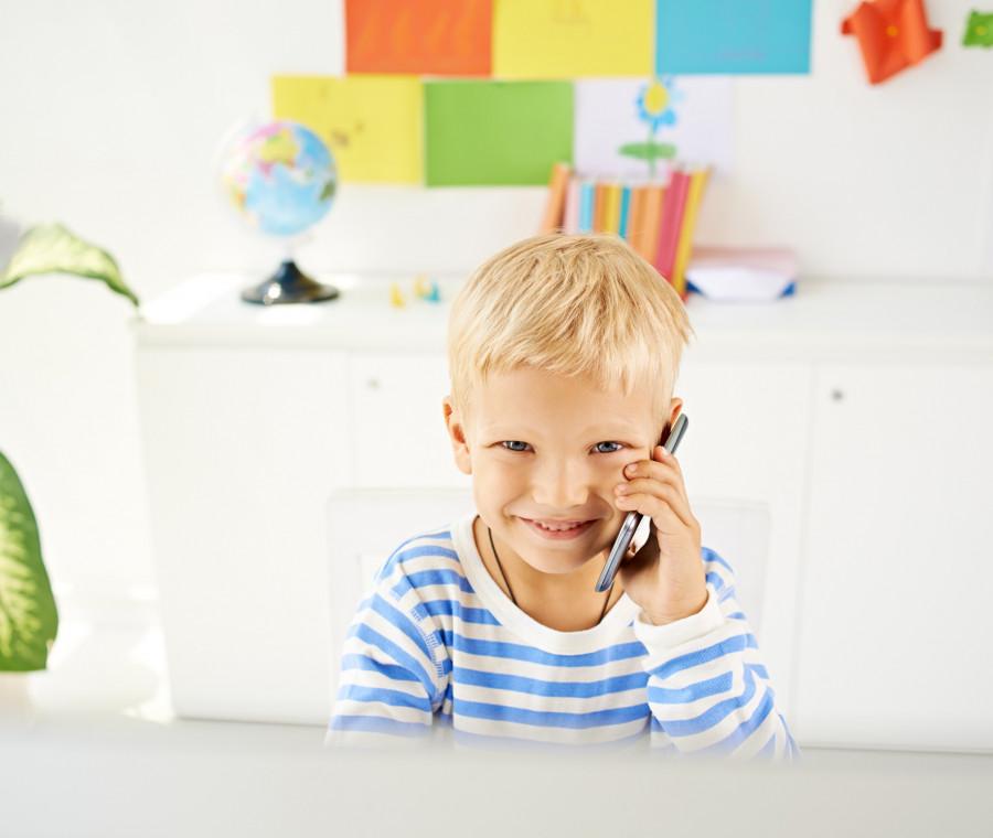 bambini-e-smartphone-i-consigli-della-pedagogista-per-un-uso-sano