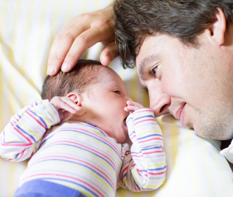 un-papa-innamorato-di-quell-esserino-sconosciuto-e-bruttino