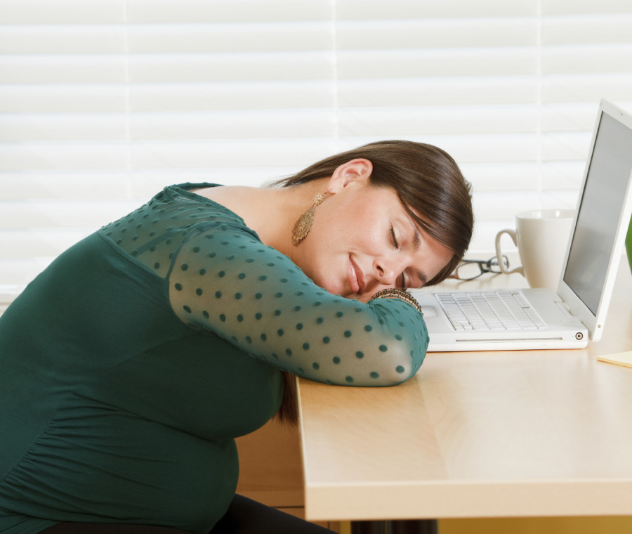 le-scuse-per-cui-non-andare-al-lavoro-in-estate-se-sei-incinta