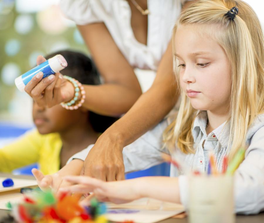 come-evitare-vernici-e-solventi-pericolosi-nel-materiale-scolastico