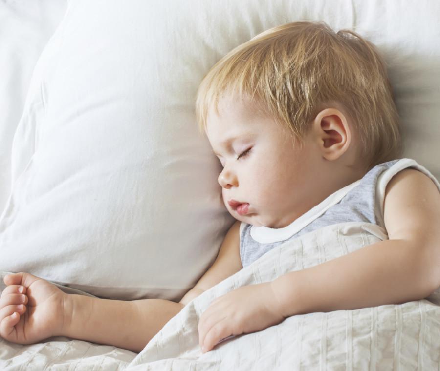 come-calmare-e-far-addormentare-un-neonato