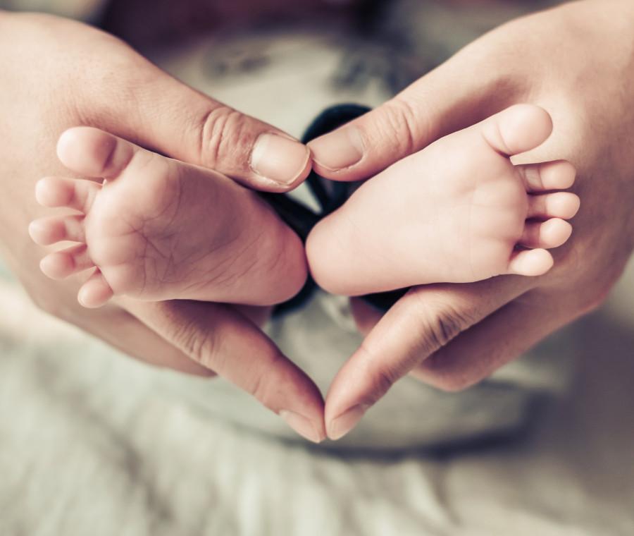 e-etico-affidarsi-ad-una-madre-surrogata