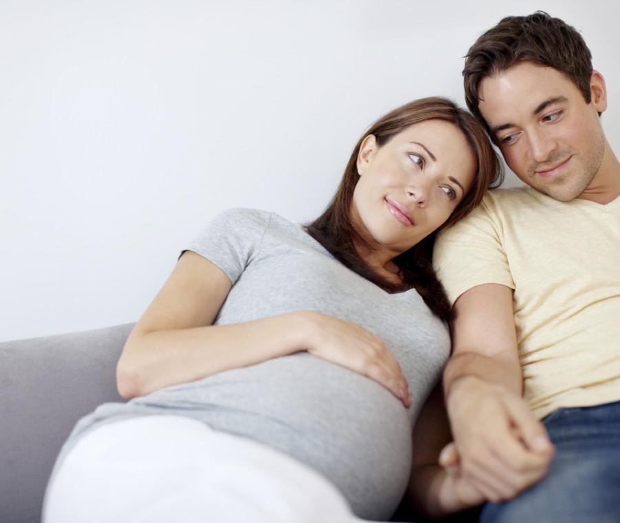 diventare-mamme-ci-rende-mogli-migliori