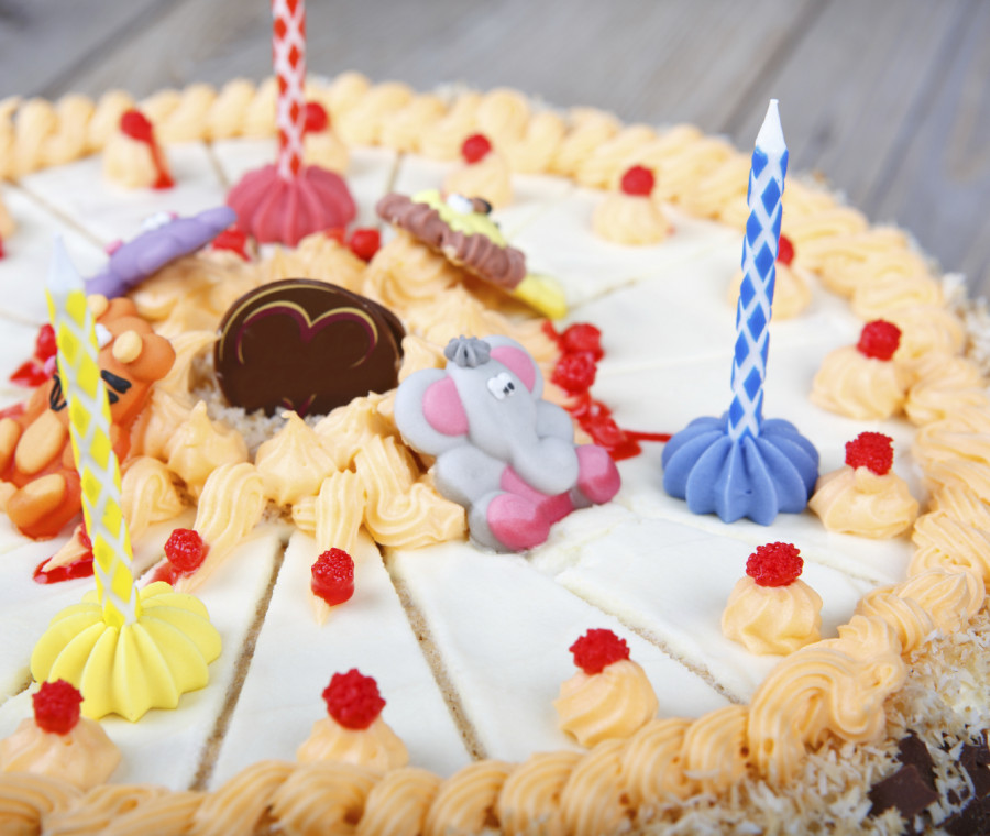 torte-di-compleanno-per-bambini-base-farcitura-e-decorazioni