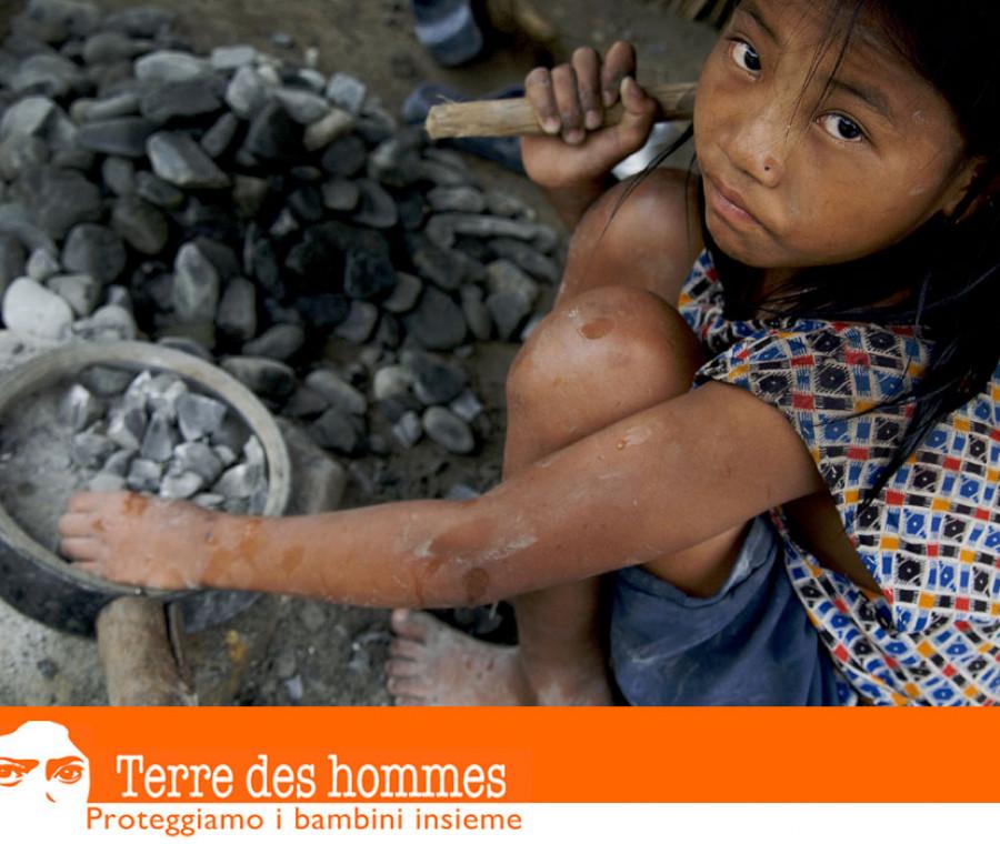 una-rivoluzione-arancione-per-difendere-le-bambine-schiave
