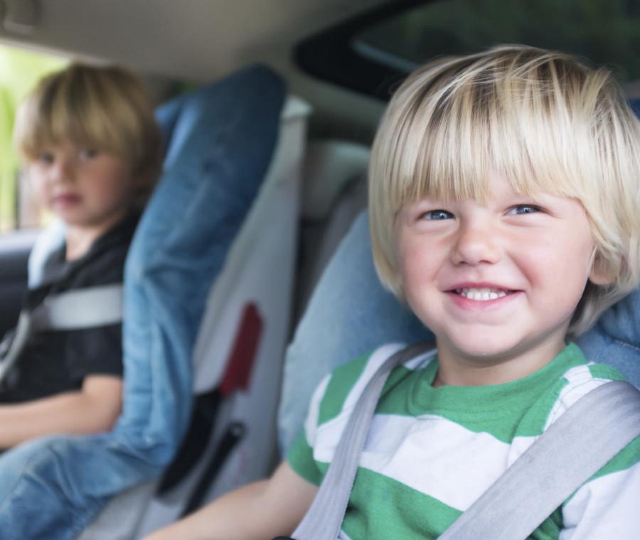 gli-errori-piu-frequenti-che-i-genitori-fanno-in-auto-con-i-bambini