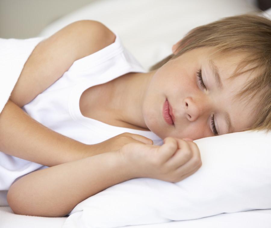 dormire-aiuta-i-bambini-a-immagazzinare-i-ricordi