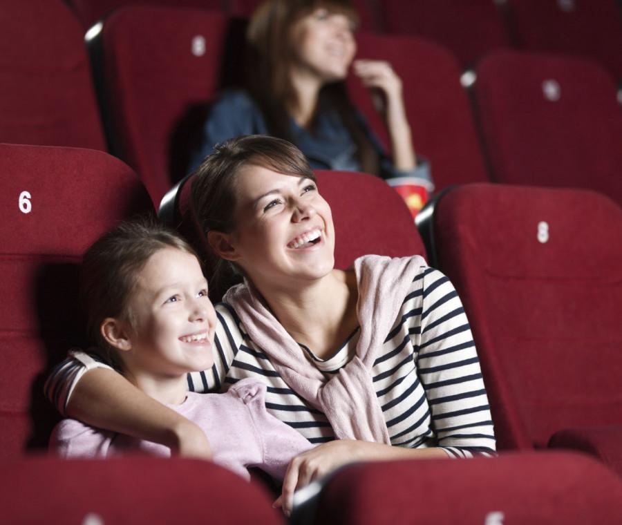 i-bambini-e-il-rapporto-con-la-televisione-e-il-cinema