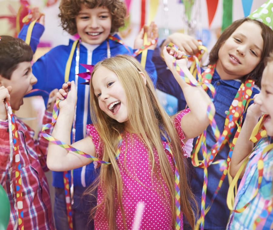 i-giochi-per-intrattenere-i-bambini-durante-una-festa-di-compleanno