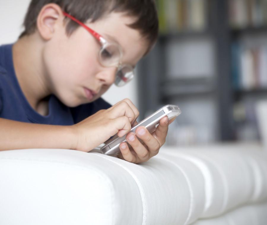 uno-smartphone-per-i-nostri-figli-si-ma-con-le-istruzioni-per-l-uso