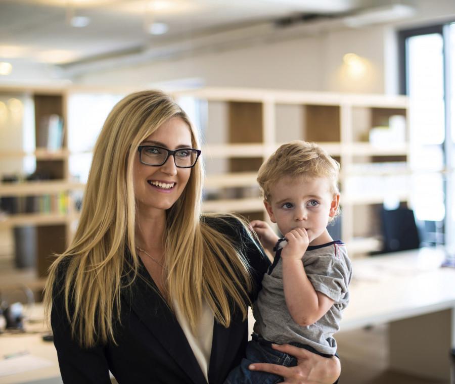 ricominciare-a-lavorare-dopo-anni-di-maternita-le-3-fasi-tipiche