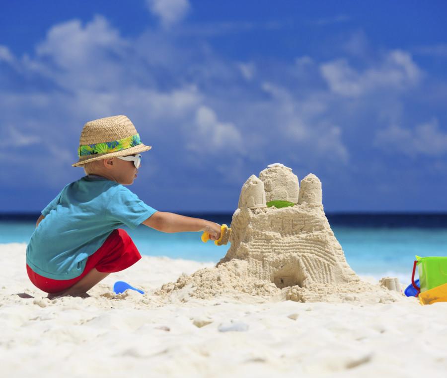vacanze-giocare-con-la-sabbia-fa-bene