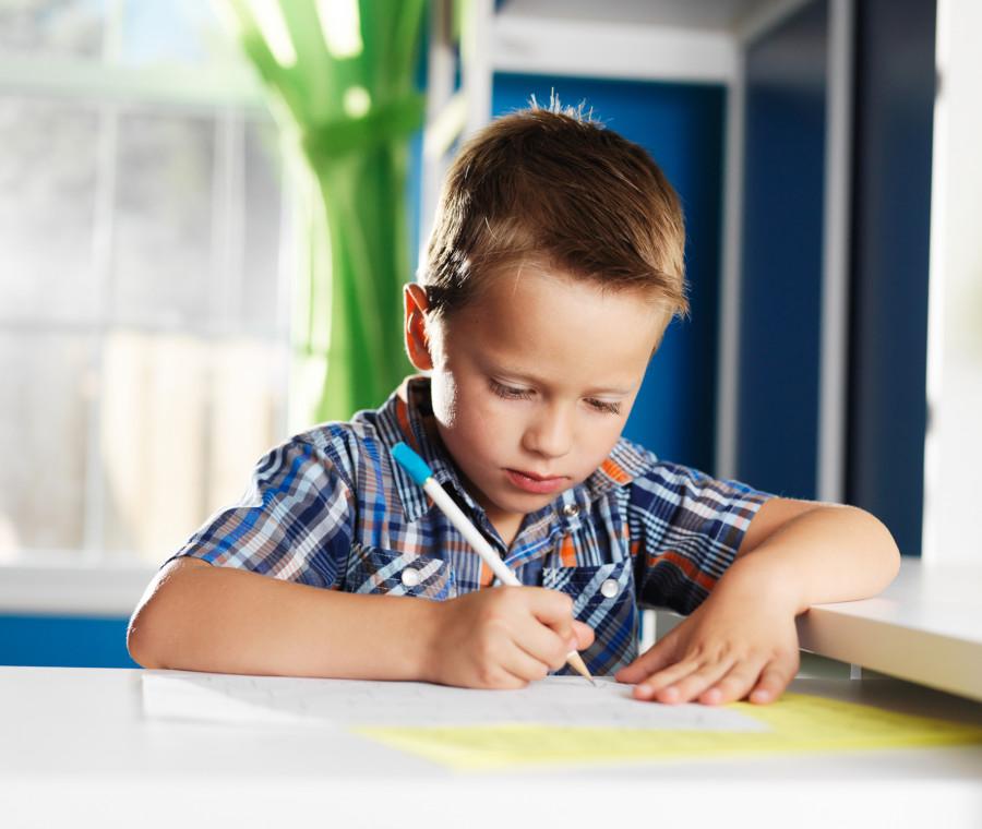 e-giusto-insegnare-ai-bambini-a-leggere-e-scrivere-prima-delle-elementari