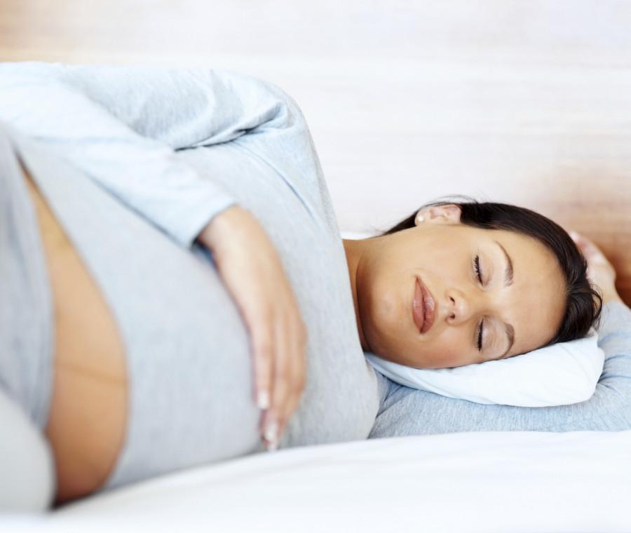 come-dormire-bene-in-gravidanza