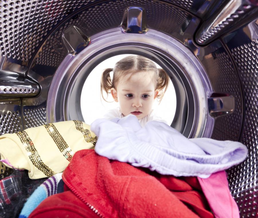 come-togliere-le-macchie-dai-vestiti-dei-bambini