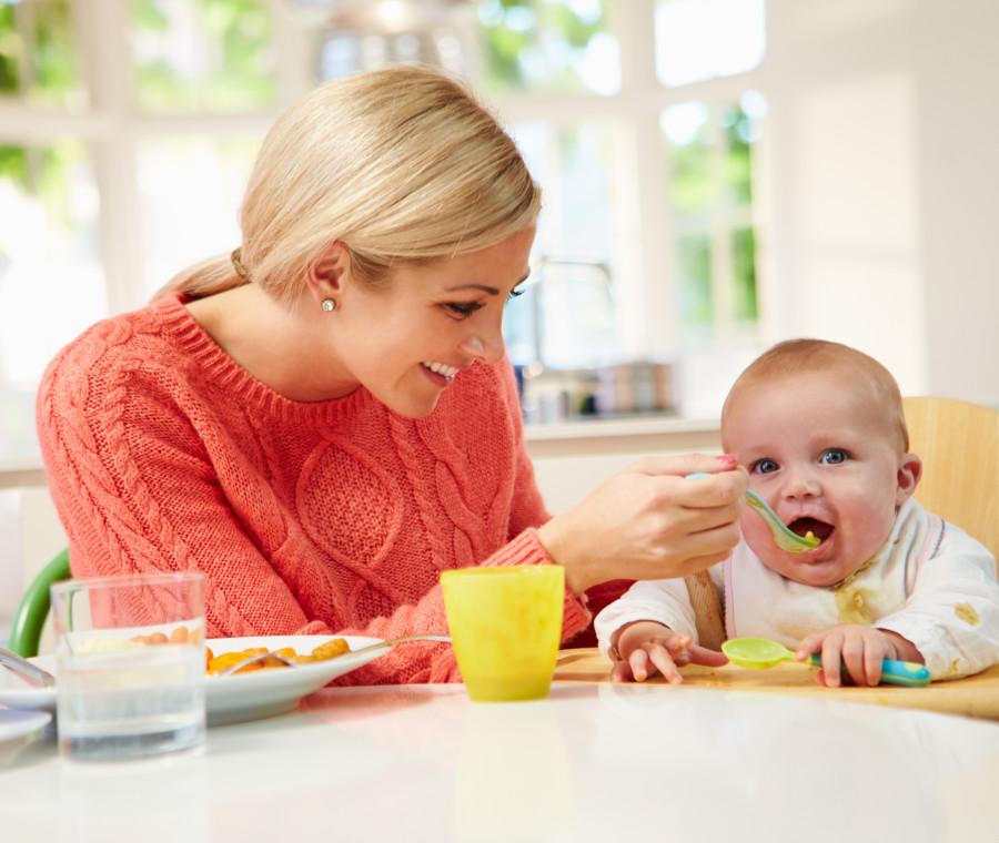 svezzamento-dei-bambini-la-tabella-degli-alimenti