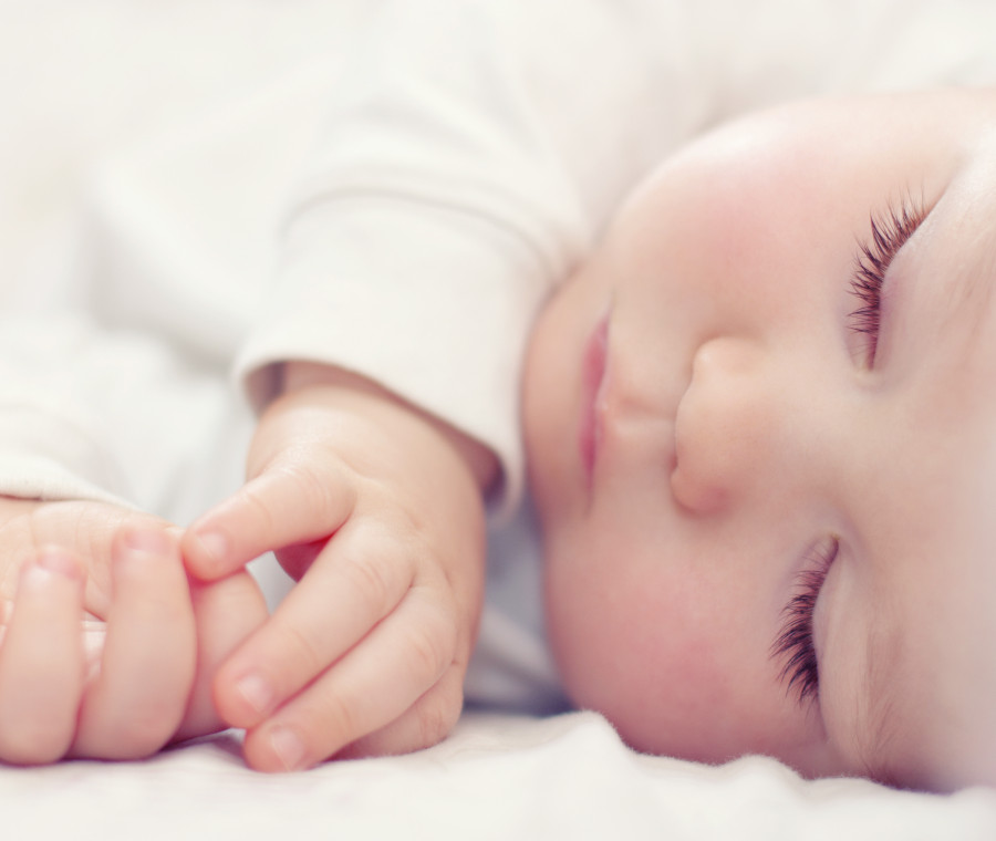 come-affrontare-il-sonno-agitato-nei-bambini-e-nei-neonati