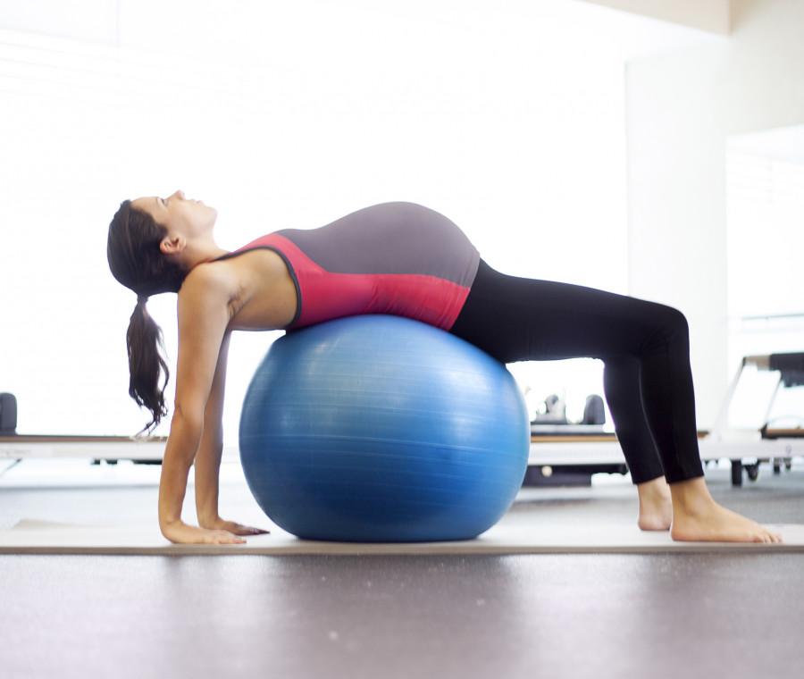 gravidanza-esercizi-contro-il-mal-di-schiena