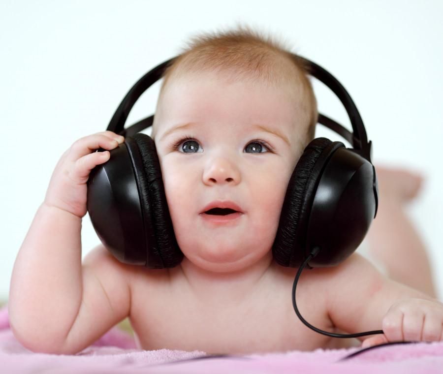 sviluppo-dell-udito-nel-bambino-come-capire-se-un-neonato-non-sente