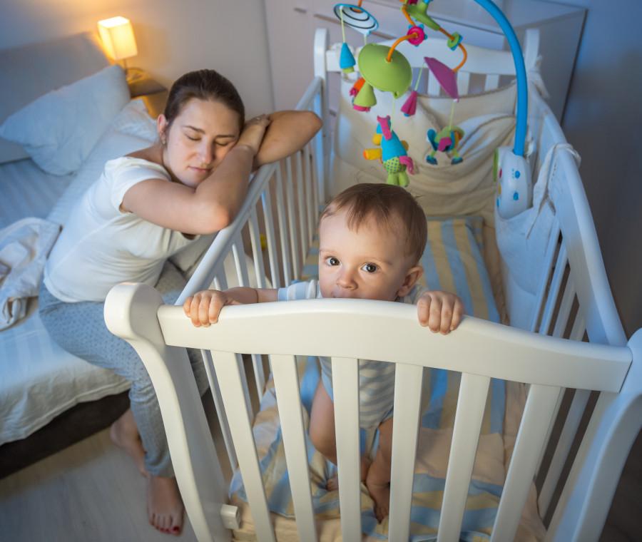 i-momenti-tipici-in-cui-ti-senti-una-pessima-madre-nel-suo-primo-anno-di-vita