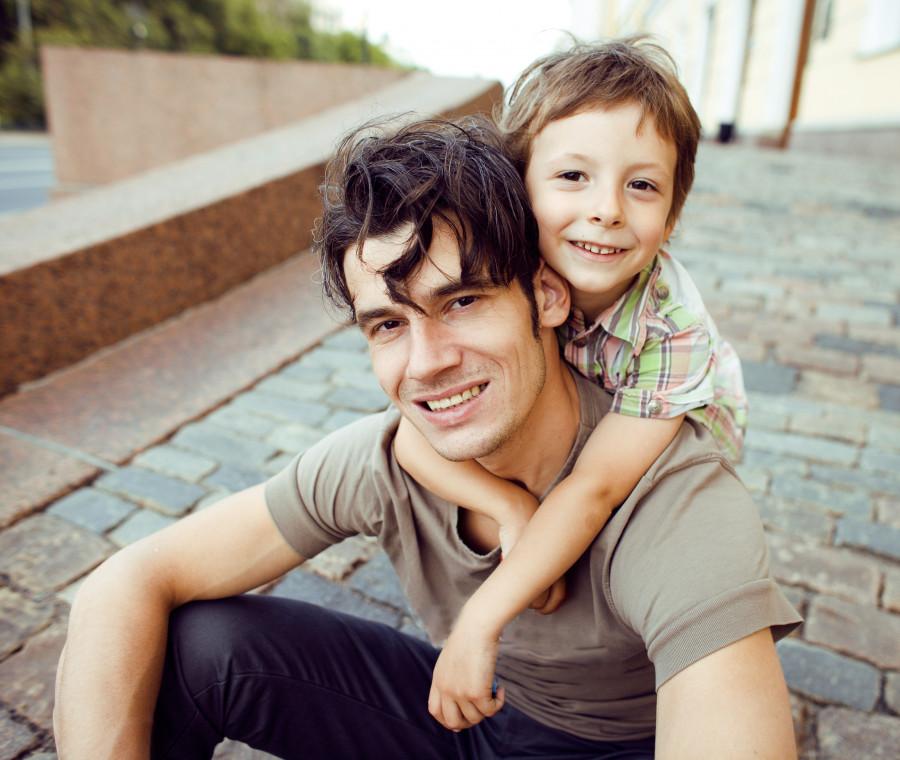 gli-insegnamenti-che-un-papa-dovrebbe-impartire-a-un-figlio-maschio