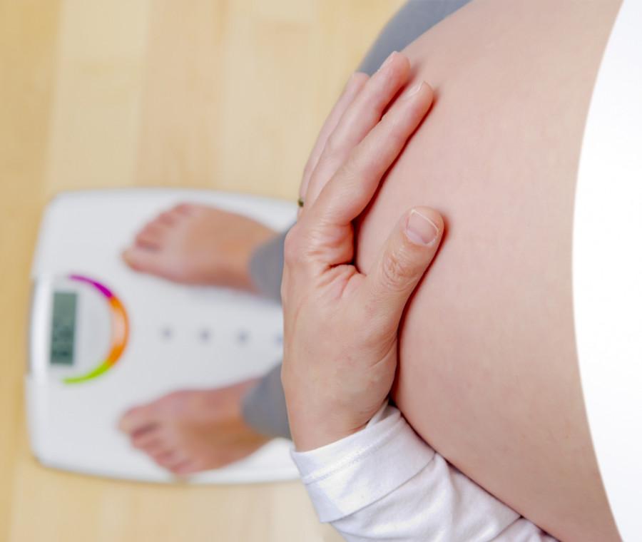 perche-in-gravidanza-non-si-deve-mangiare-per-due