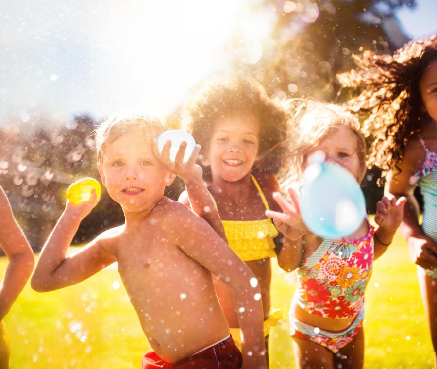 giochi-ad-acqua-all-aria-aperta-che-divertimento