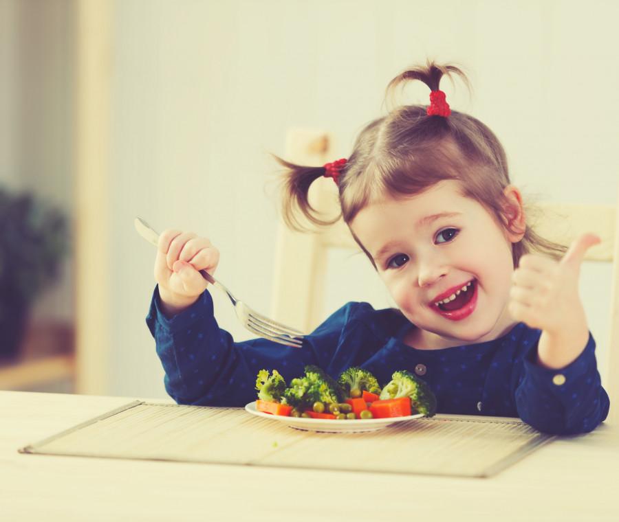 cosa-dire-ai-bambini-per-farli-mangiare-i-consigli-della-dietista
