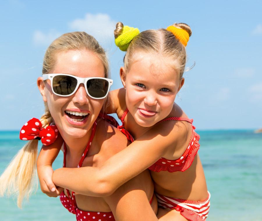 tipi-da-spiaggia-i-vari-tipi-di-mamme-in-costume