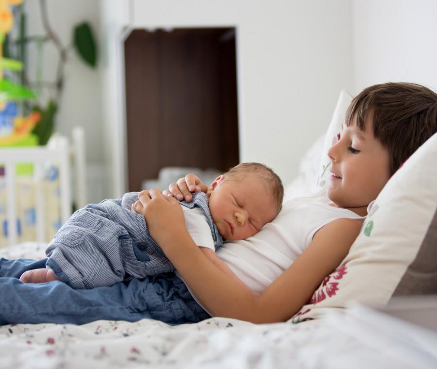 8-consigli-preziosi-per-incoraggiare-l-amicizia-tra-fratellini-e-sorelline