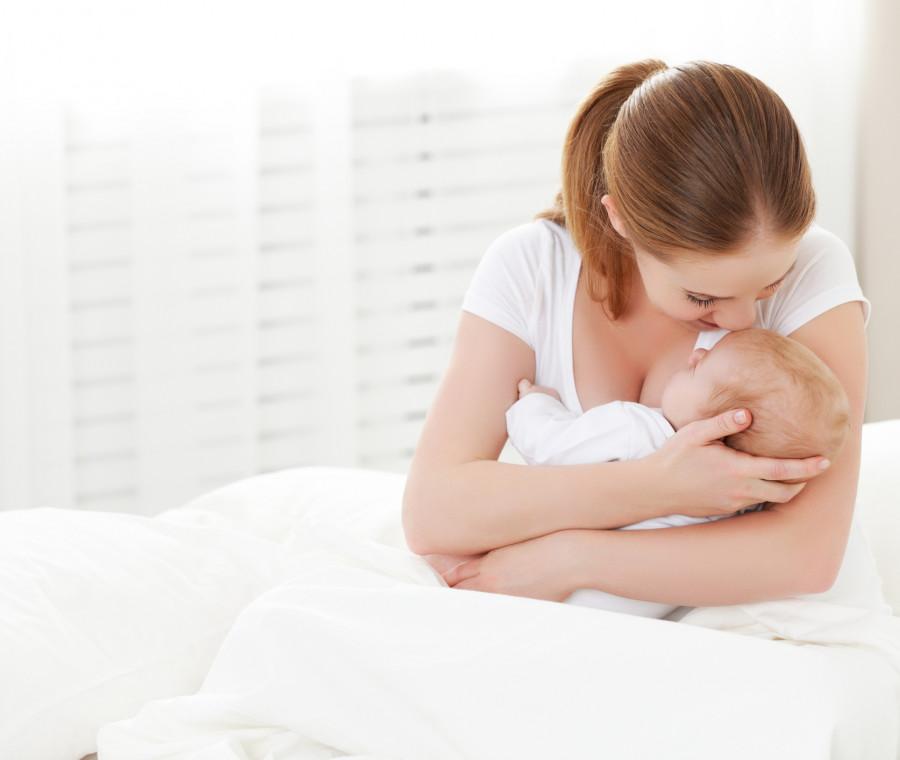 in-allattamento-si-possono-fare-controlli-al-seno