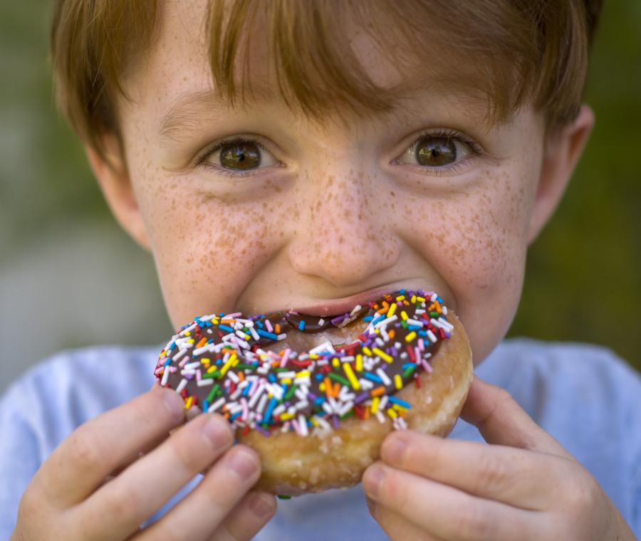 come-e-quando-usare-lo-zucchero-negli-alimenti-e-bevande-per-bambini