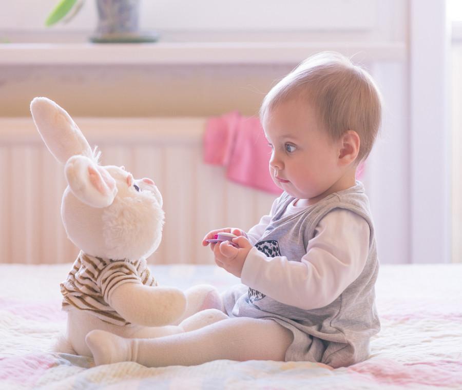 i-9-mesi-di-vita-del-neonato-l-inizio-di-una-nuova-vita