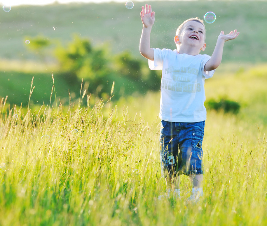 come-far-sperimentare-al-bambino-il-non-attaccamento-alle-cose