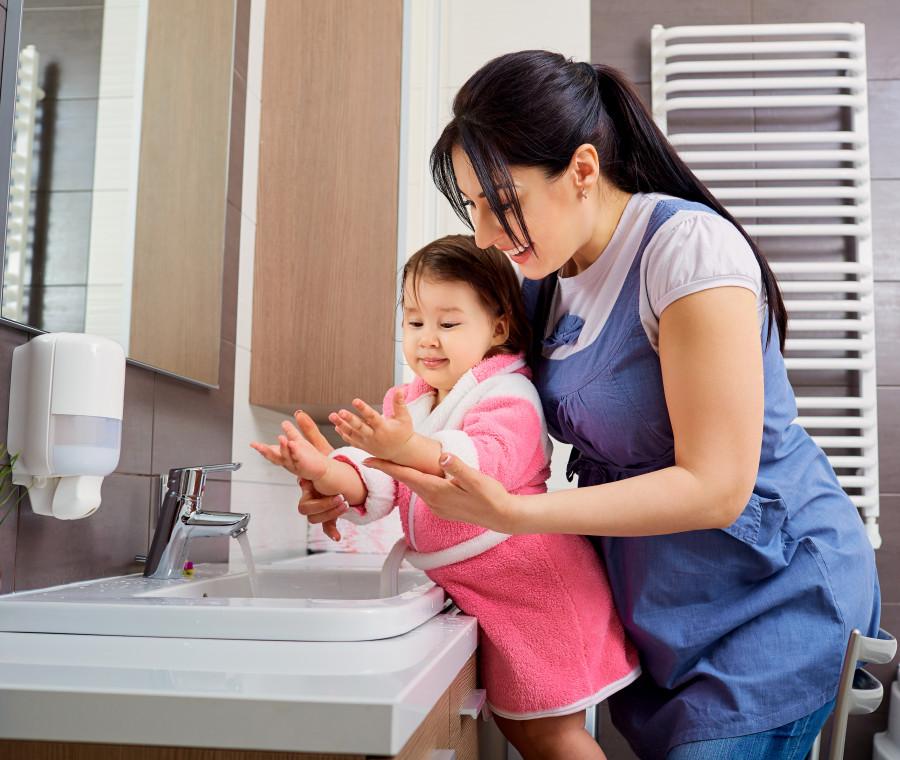 come-insegnare-ai-bambini-a-lavarsi-bene-le-mani
