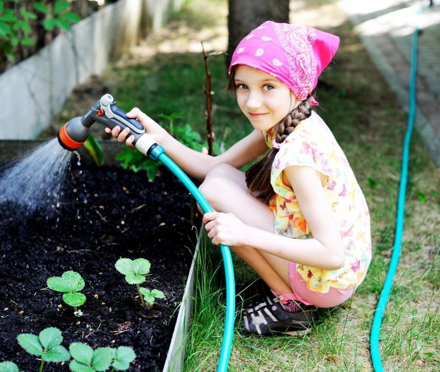 l-orto-a-scuola-i-benefici-per-l-educazione-dei-bambini