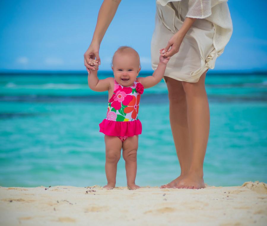 come-portare-un-neonato-in-spiaggia-e-al-mare