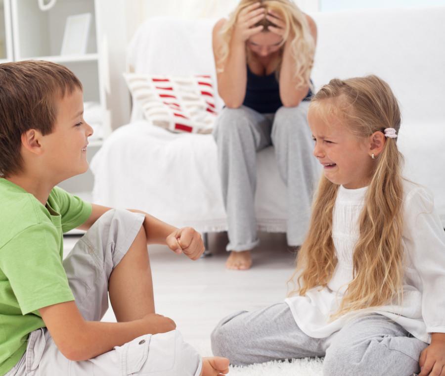 fenomenologia-della-mamma-nella-prima-settimana-di-vacanza-estiva-dei-figli