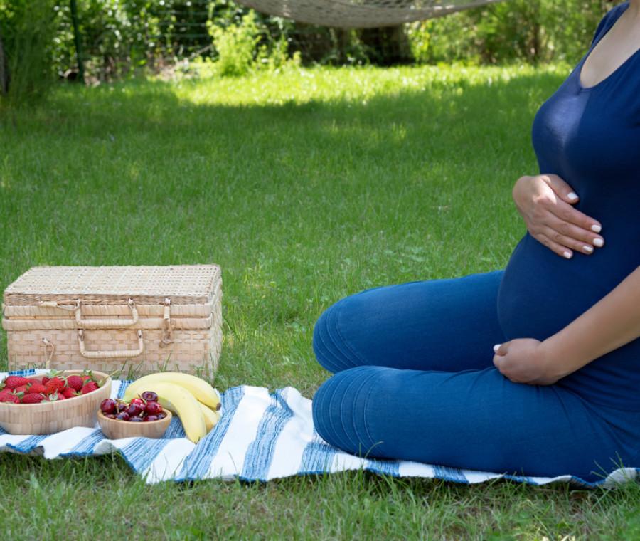 la-corretta-alimentazione-per-una-gravidanza-estiva