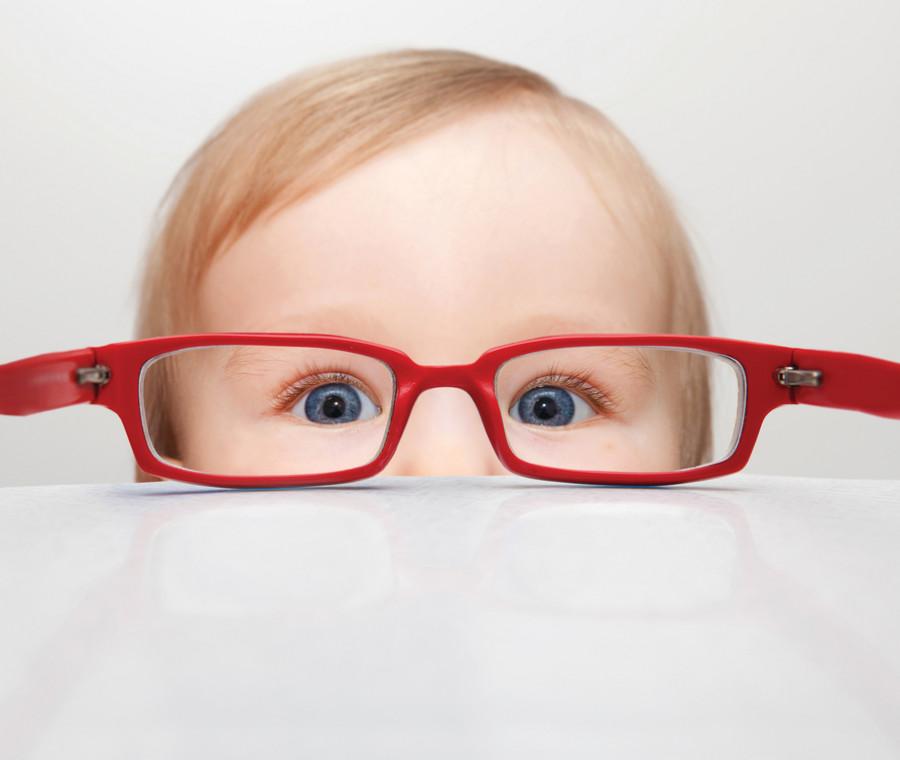 occhiali-come-aiutare-i-bambini-a-sopportarli-meglio